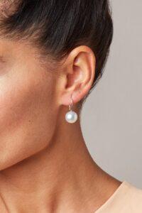 Orecchini ad amo con perle dei Mari del Sud_Genisi Pearls
