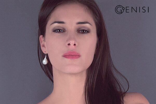 Genisi_perla-classica_orecchini_amo_oro-con-diamante_perla-barocca-goccia_I-GP_285