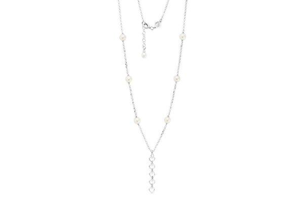 collier di perle e cuori